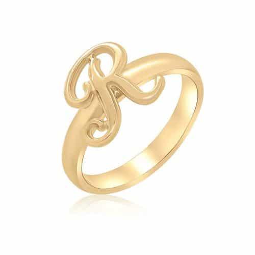 טבעת אות לועזית מעוצבת